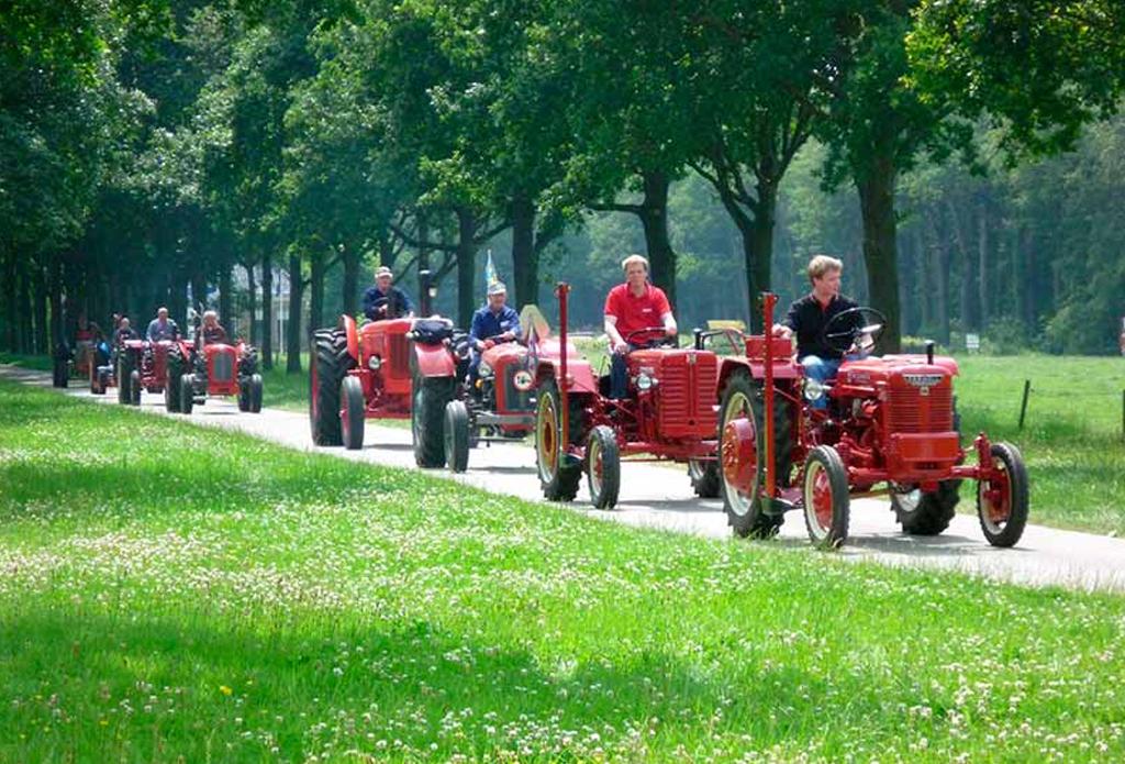 tractor-rijden-erve-scholten-vakantiewoningen-hezingen-vasse-ootmarsum